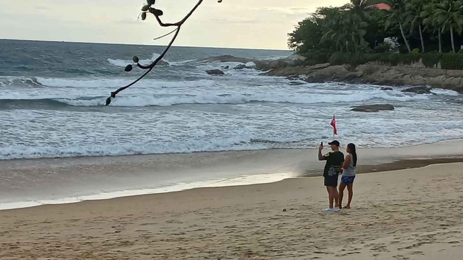 """Du khách quốc tế mắc kẹt khi Thái Lan """"cô lập"""" Phuket"""