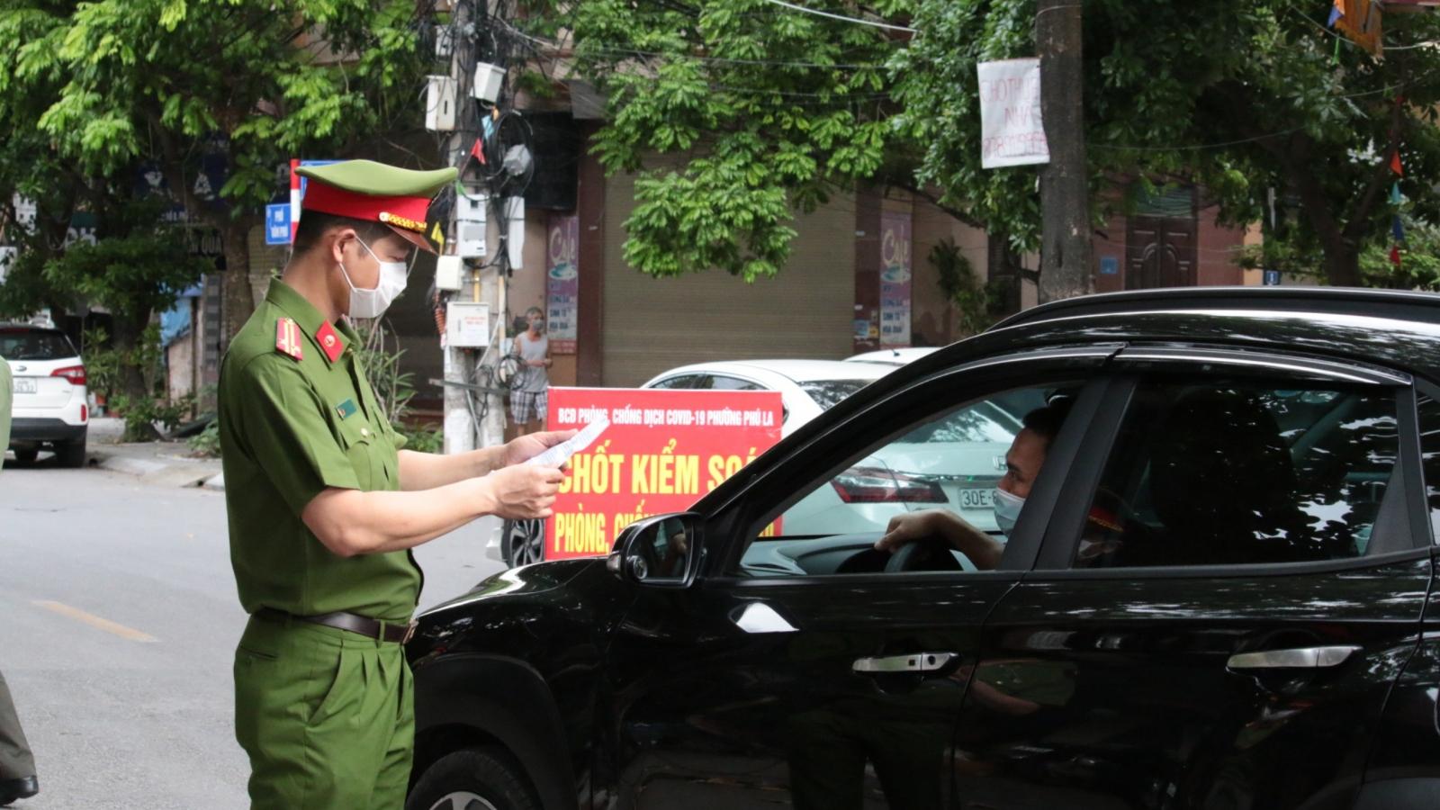 Hà Nội xử lý gần 900 trường hợp vi phạm giãn cách xã hội