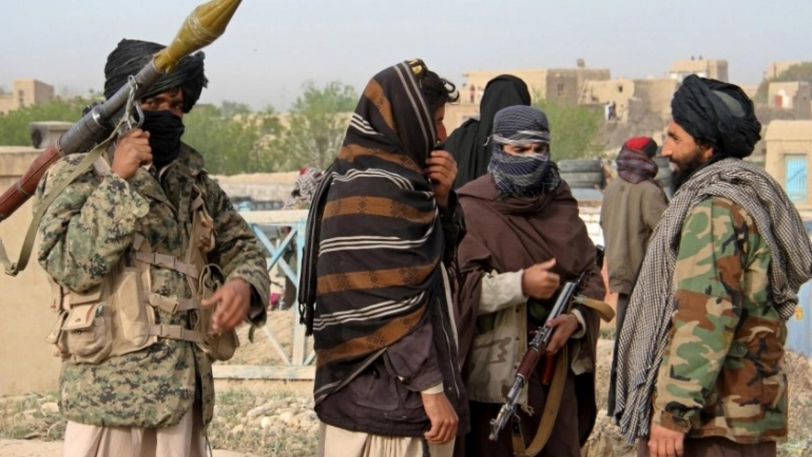 Taliban tiến gần tới cửa ngõ thủ đô - Afghanistan đứng trước bướcngoặt nguy hiểm