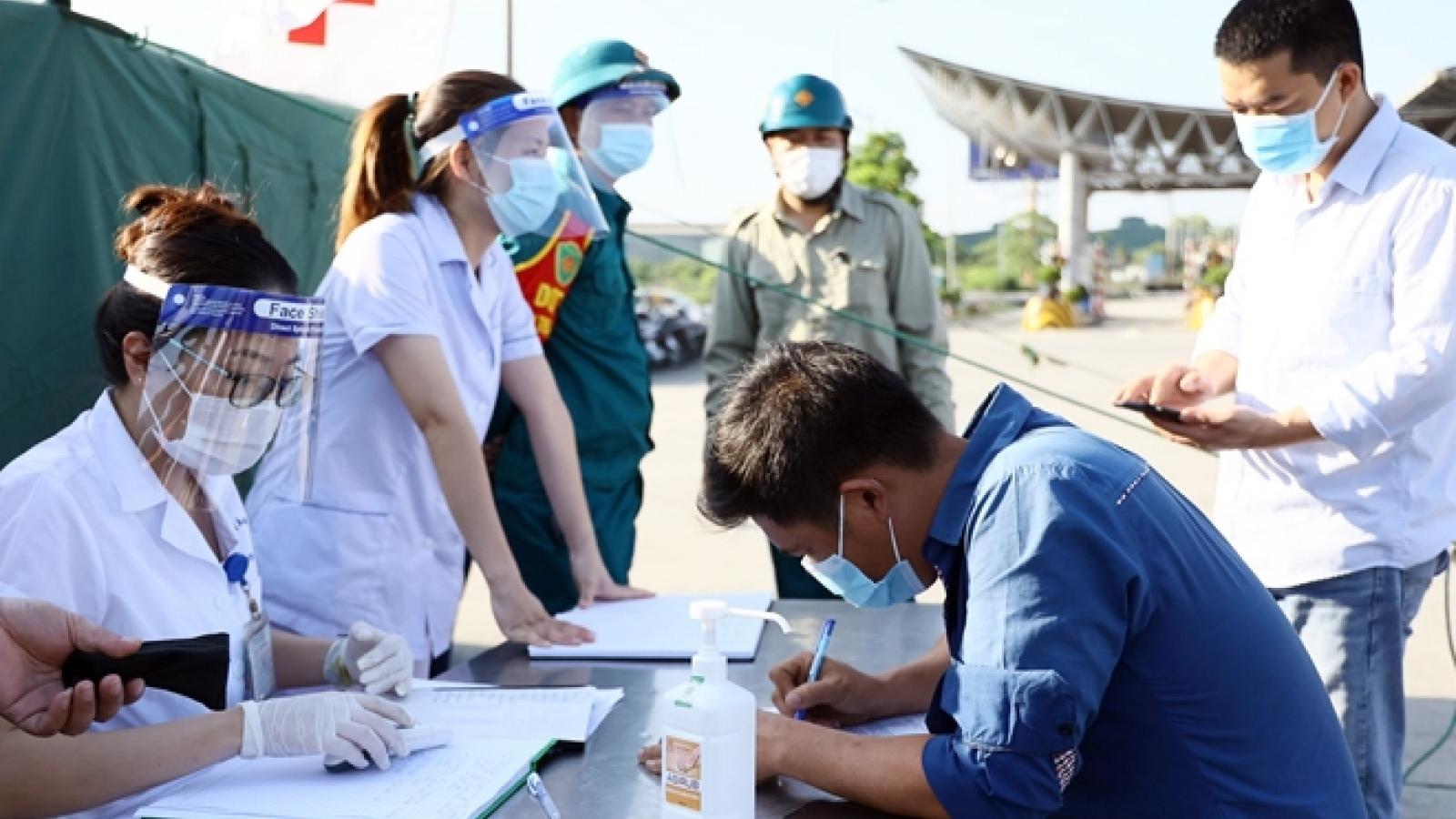 Tất cả lái xe vào Hà Nội phải test Covid-19 tại bến xe Nước Ngầm và Yên Nghĩa