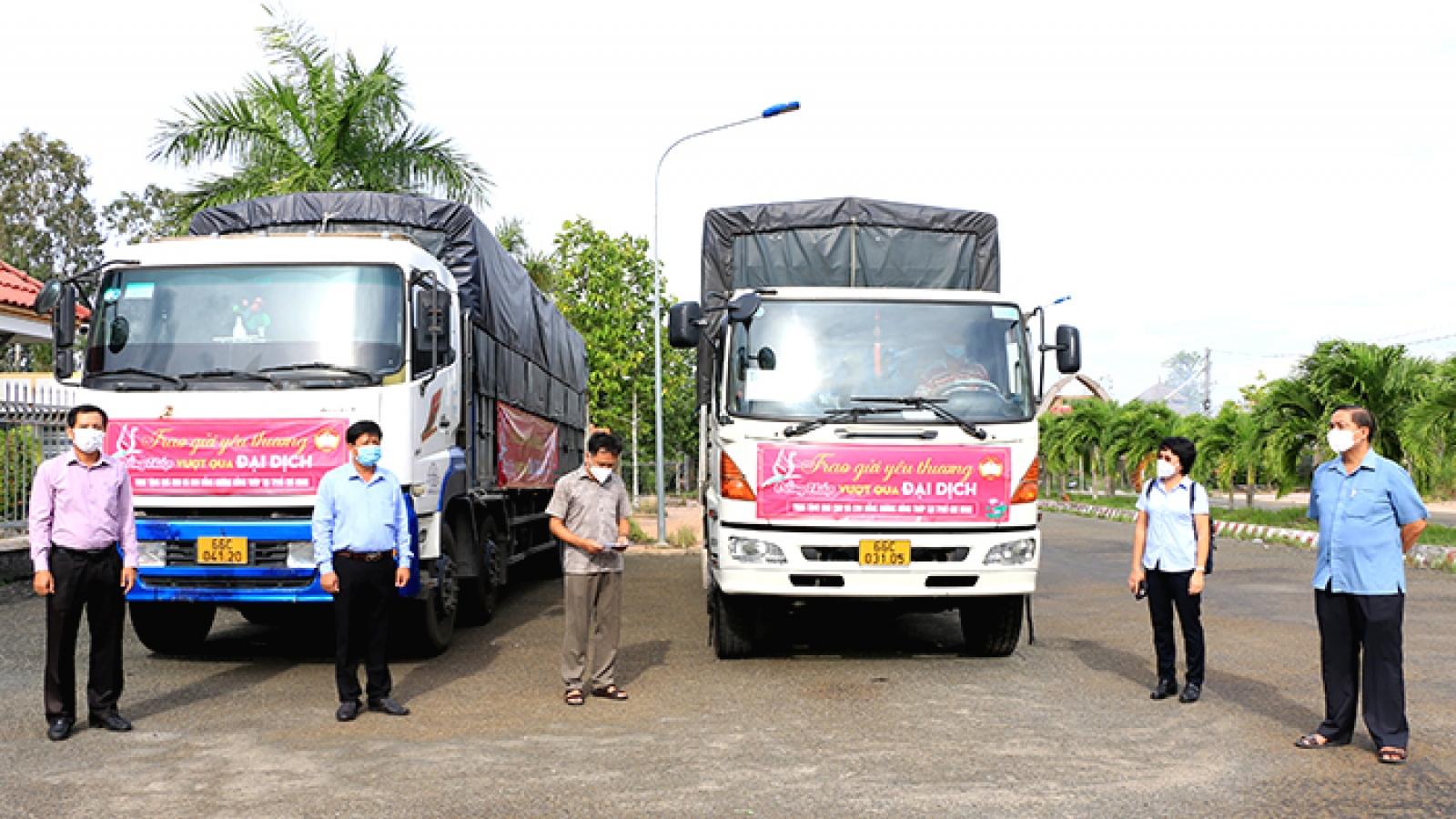 Hỗ trợ nhu yếu phẩm cho bà con Đồng Tháp tại Thành phố Hồ Chí Minh