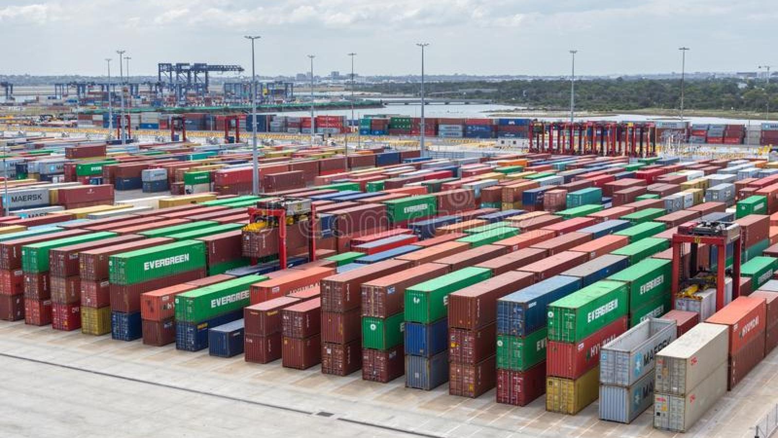Khủng hoảng chuỗi cung ứng toàn cầu ngày càng nghiêm trọng do dịch Covid-19 bùng phát