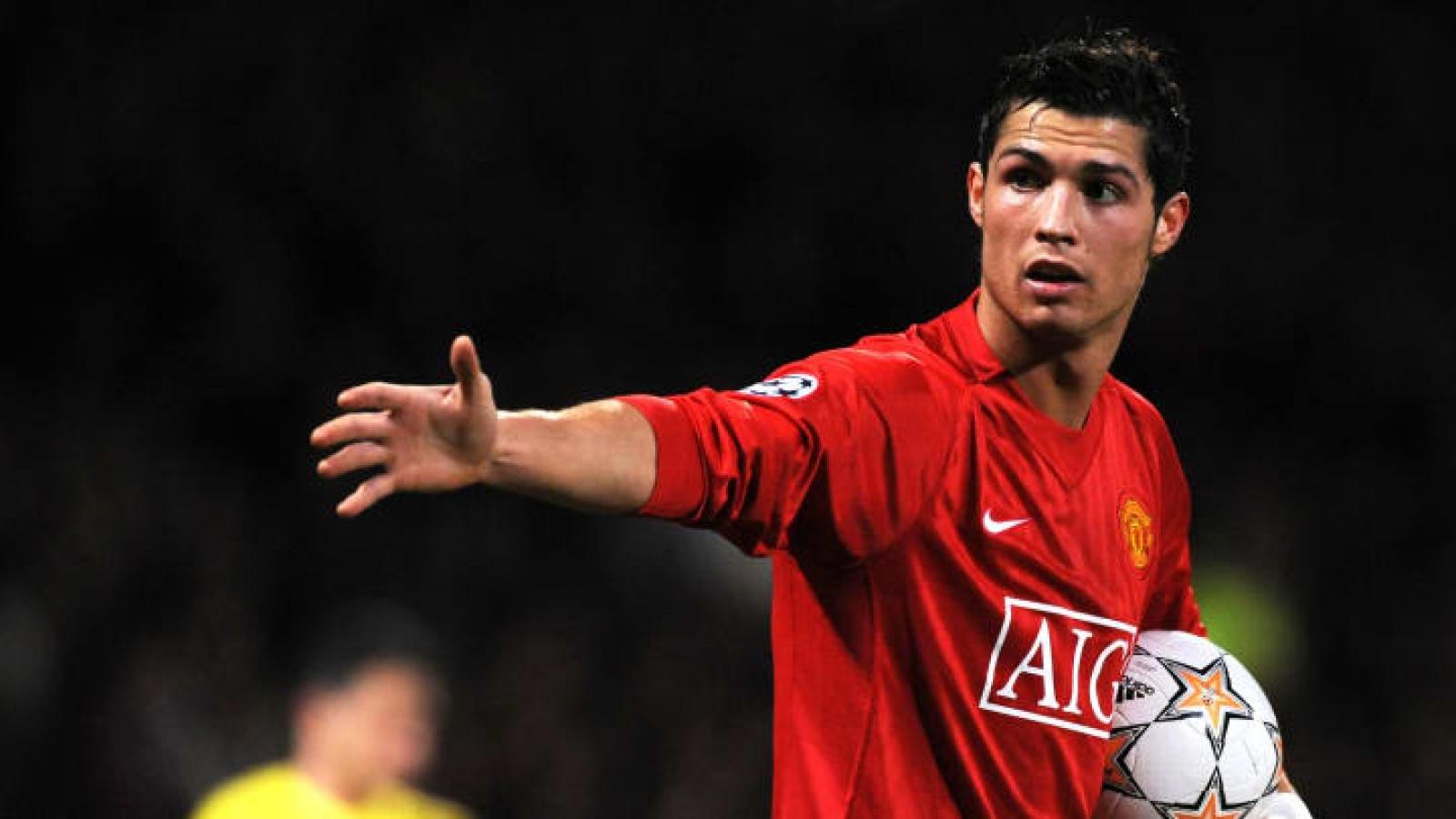 Ronaldo sẽ là trung phong chủ lực của MU