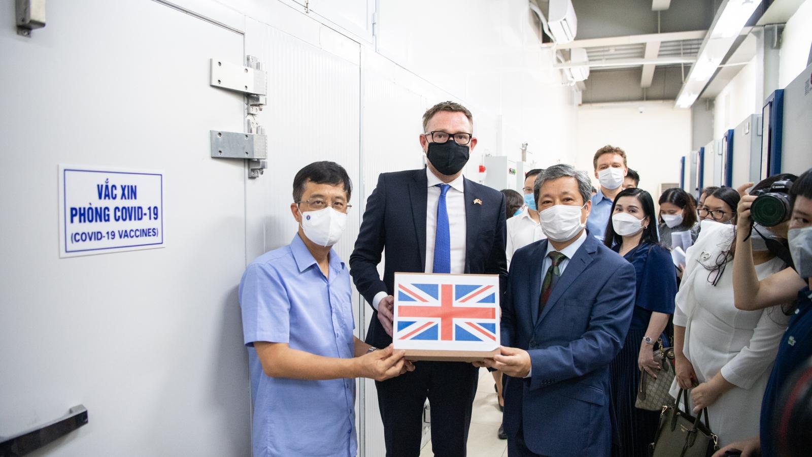 UK offers 415,000 AstraZeneca vaccine doses to Vietnam