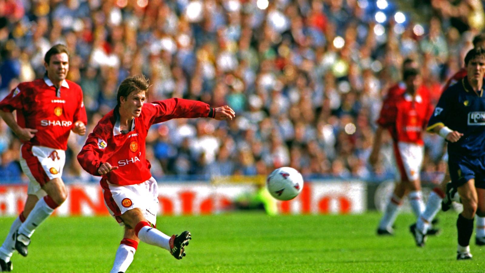 """Ngày này năm xưa: Beckham ghi bàn thắng """"để đời"""" ở Ngoại hạng Anh"""