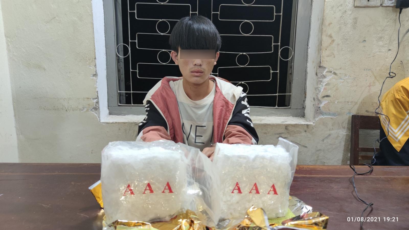 Bắt giữ nam thanh niên 18 tuổi tàng trữ 2kg ma túy đá tại Điện Biên