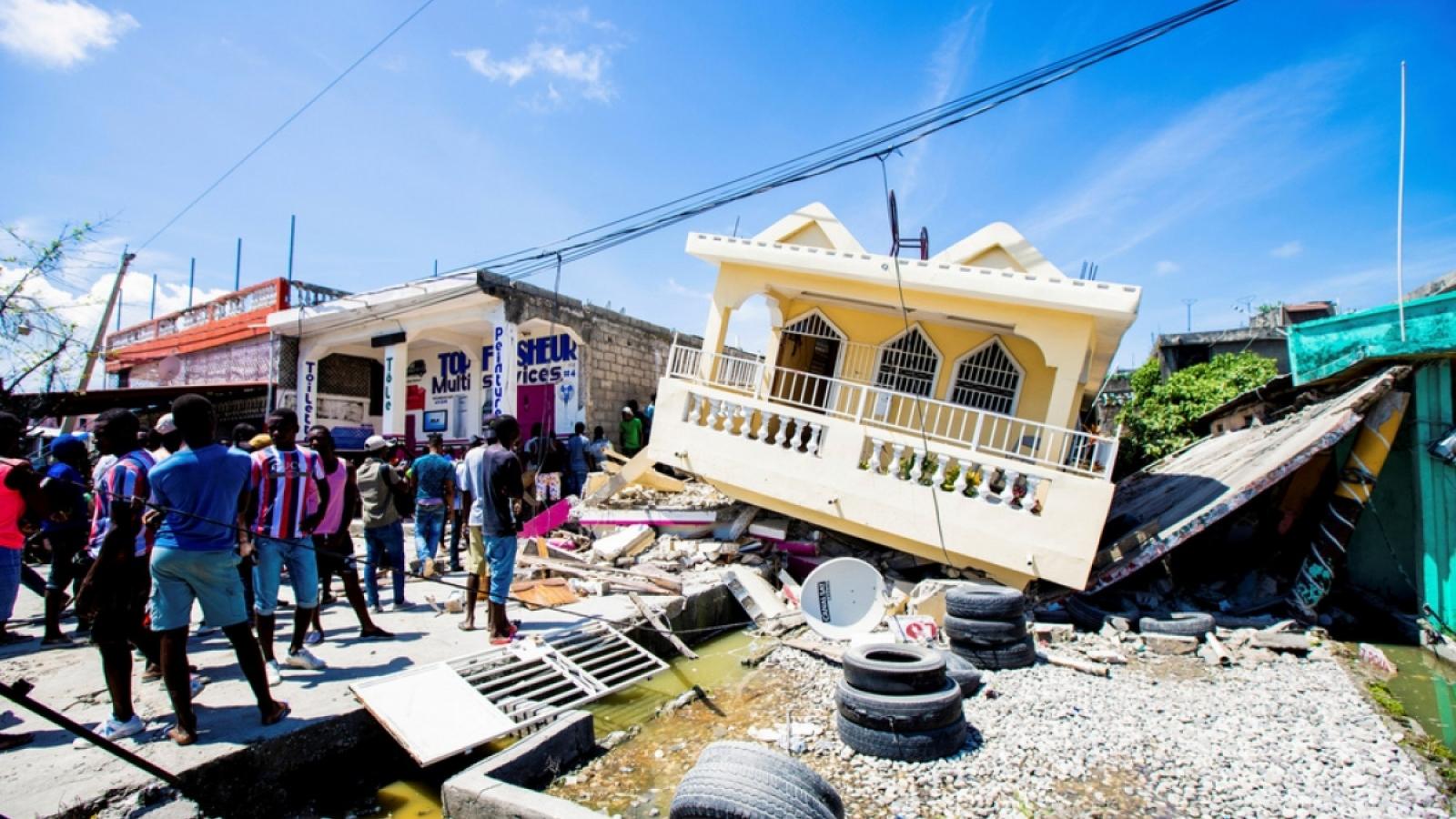 Gần 2.000 người chết và 1,2 triệu người bị ảnh hưởng do động đất ở Haiti