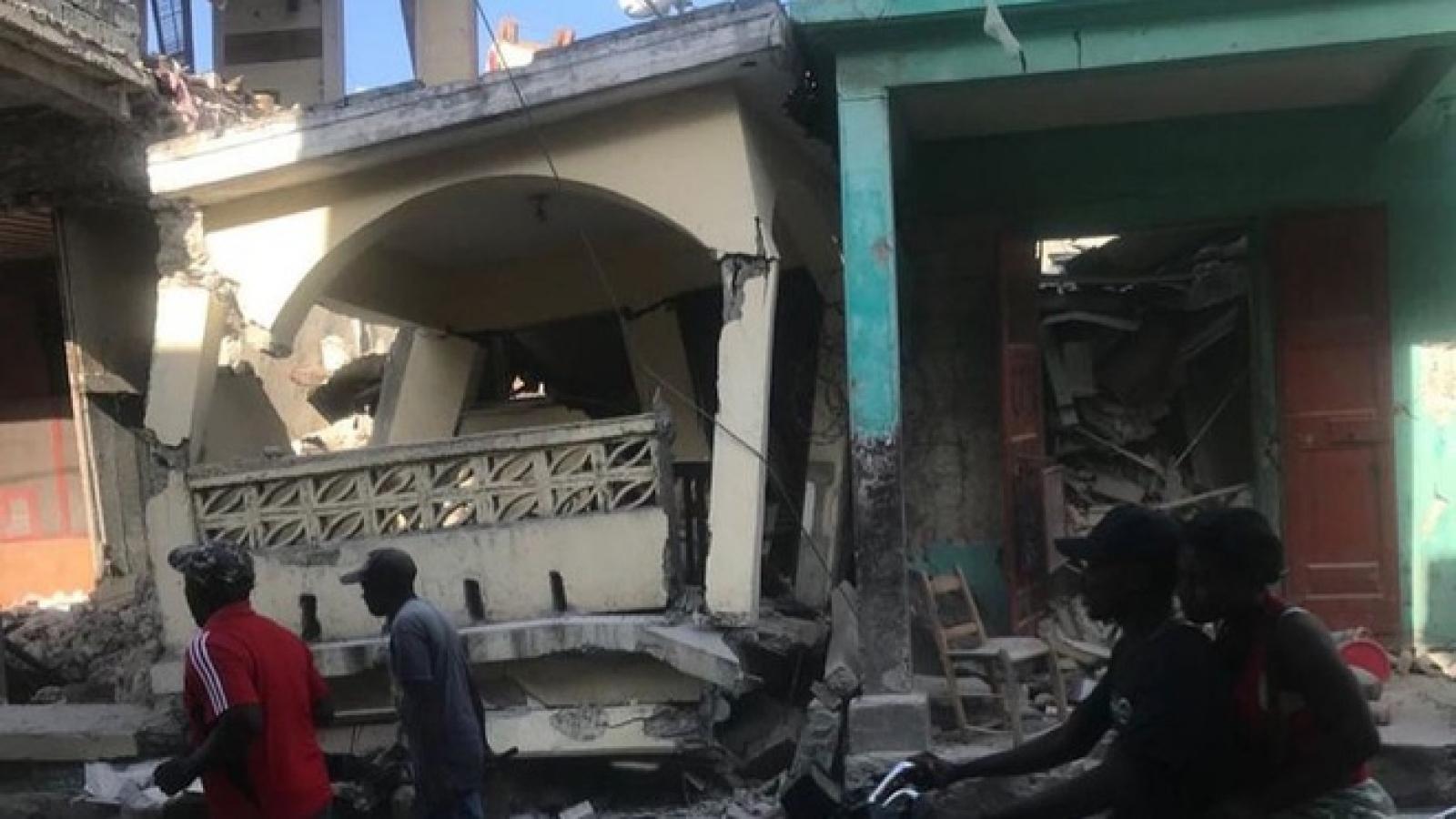 Động đất 7 độ rung chuyển Haiiti