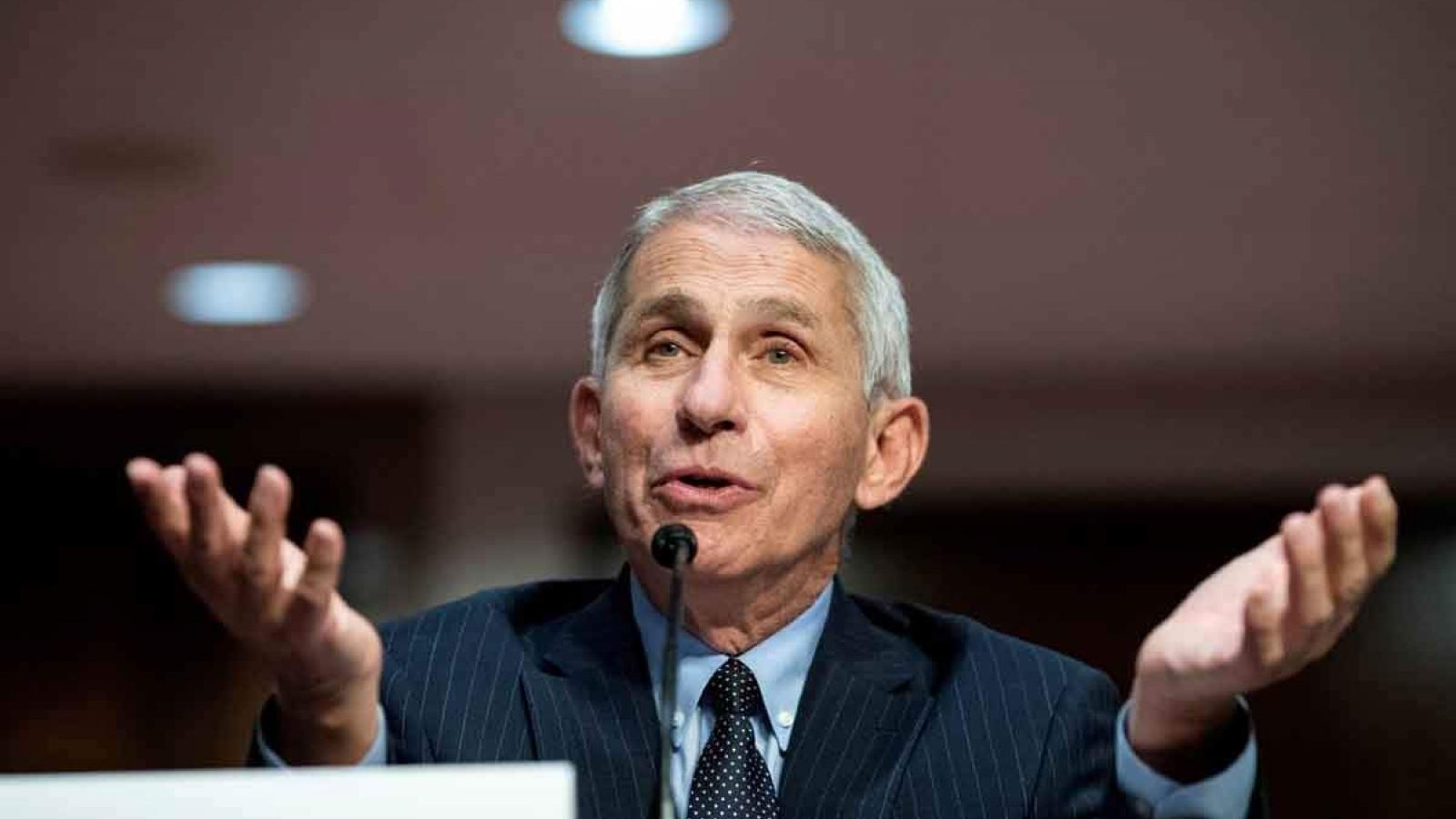 Ông Fauci: Mỹ có thể tránh được kịch bản 100.000 ca tử vong do Covid-19 trong tháng 12