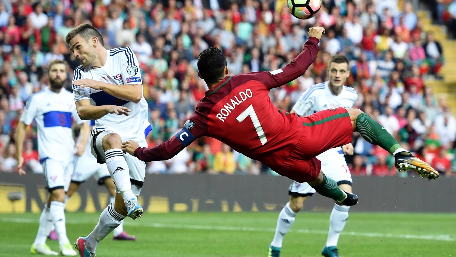 Ngày này năm xưa: Ronaldo làm nên lịch sử ở ĐT Bồ Đào Nha