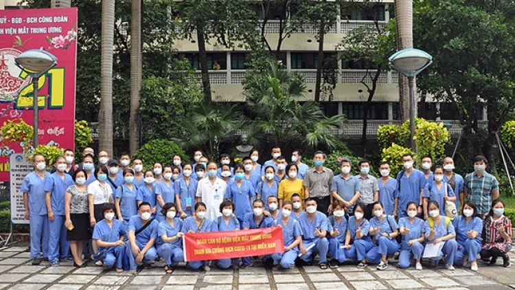 Hanoi sends medical workers to support HCM City in COVID-19 fight