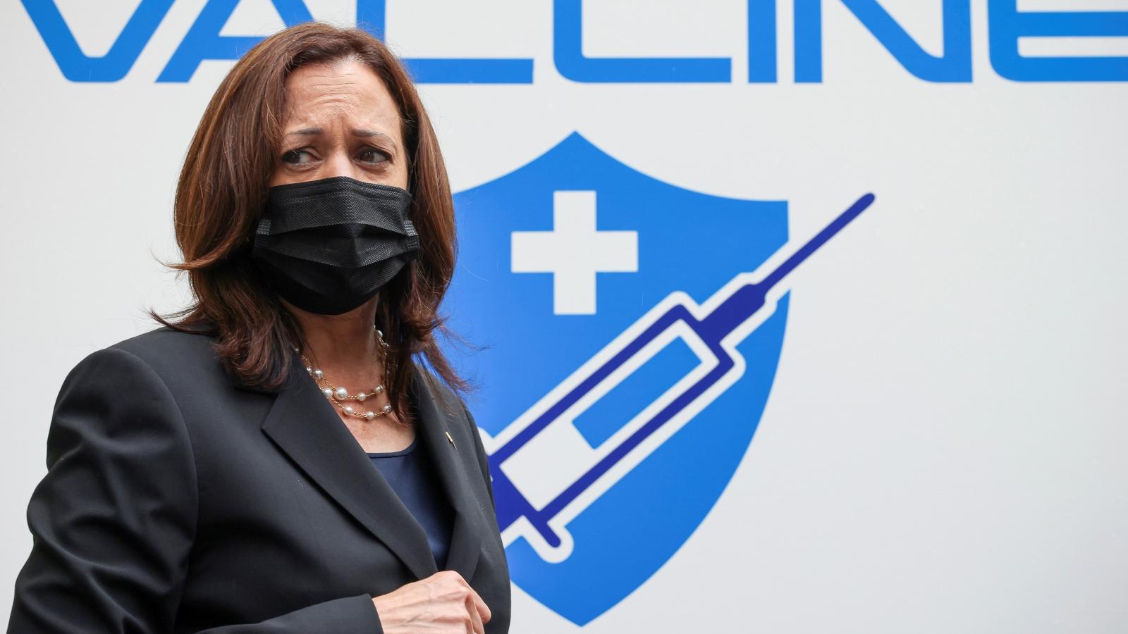 Phó Tổng thống Mỹ chứng kiến lễ bàn giao vaccine Covid-19 cho Việt Nam