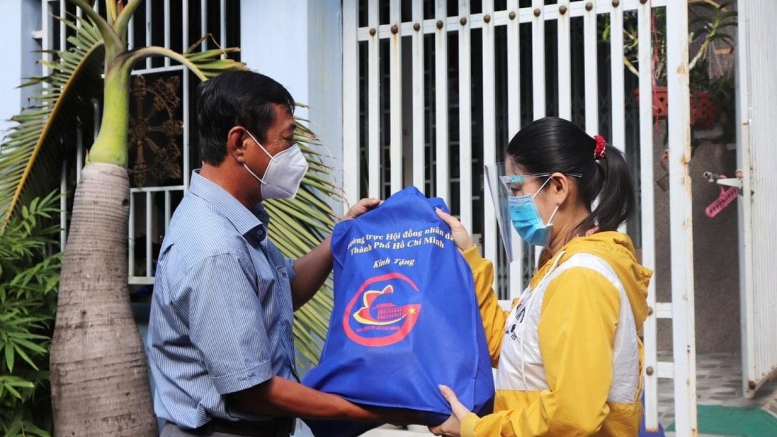 TP.HCM khẩn trương hỗ trợ tiền trọ, lương thực cho người dân gặp khó khăn