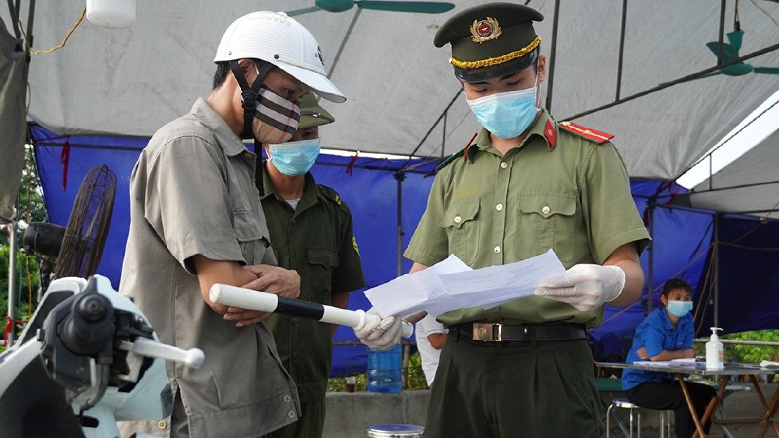 Sau 9 ngày giãn cách Hà Nội phạt hơn 11 tỷ đồng vi phạm quy định phòng, chống dịch