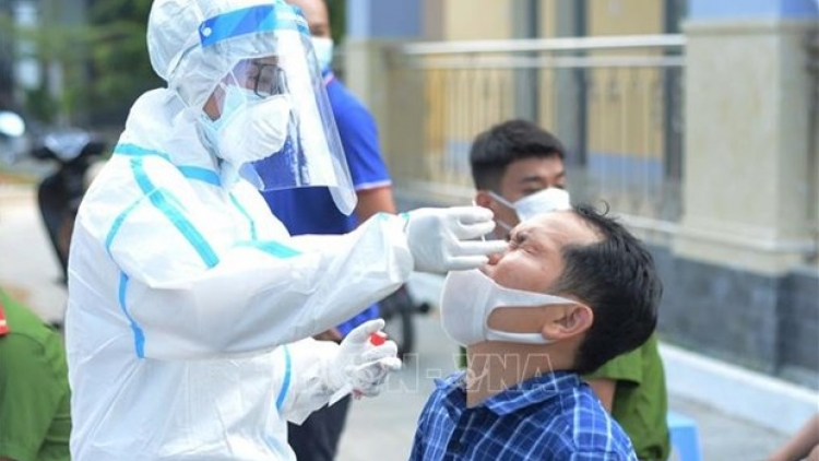HCM City sees positive signals after tightening COVID-19 control measures
