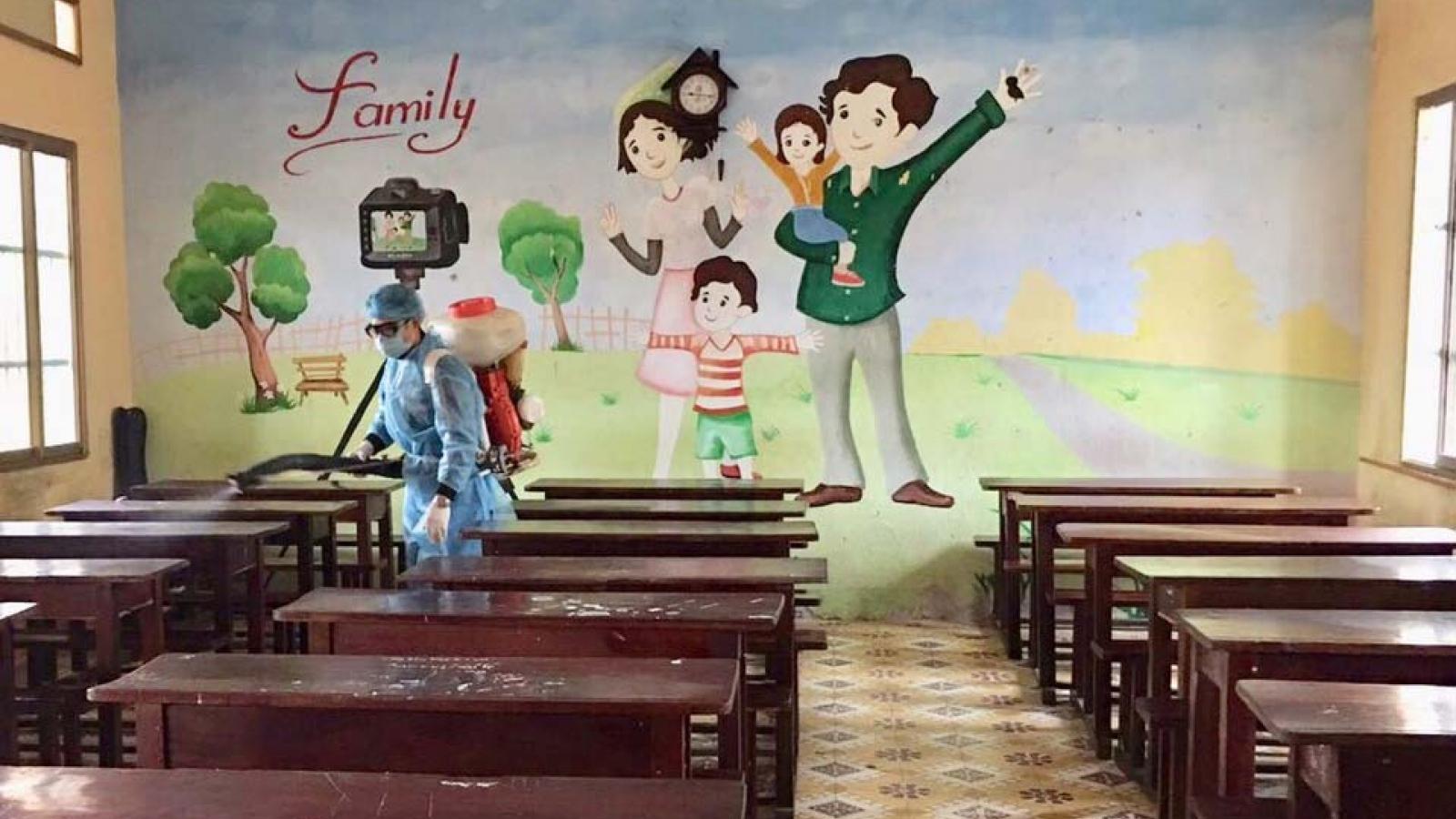 Một số địa phương học sinh tựu trường đúng kế hoạch,Hà Tĩnh và Nghệ An lùi thời gian
