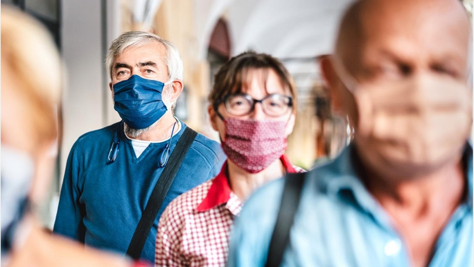 """Chuyên gia Anh: Miễn dịch cộng đồng là điều """"không khả thi"""" với biến thể Delta"""