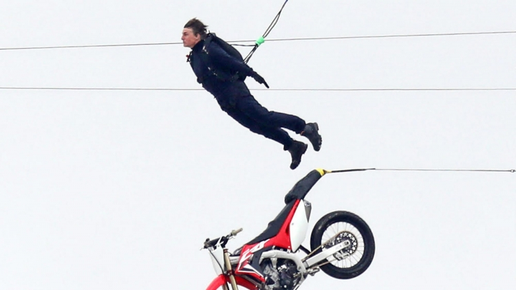 """Tom Cruise khoe cảnh quay thót tim trong """"Mission Impossible 7"""""""