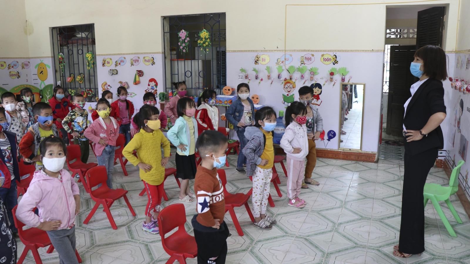 Điện Biên thiếu trầm trọng giáo viên mầm non trong năm học mới