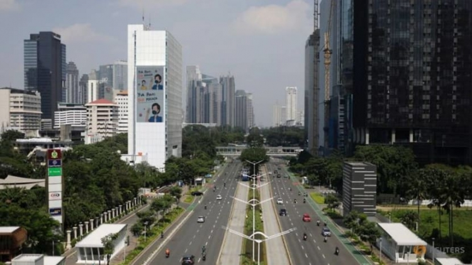 """Yêu cầu nhân viên đi làm, các văn phòng ở Indonesia chơi """"mèo đuổi chuột"""" giữa đại dịch"""
