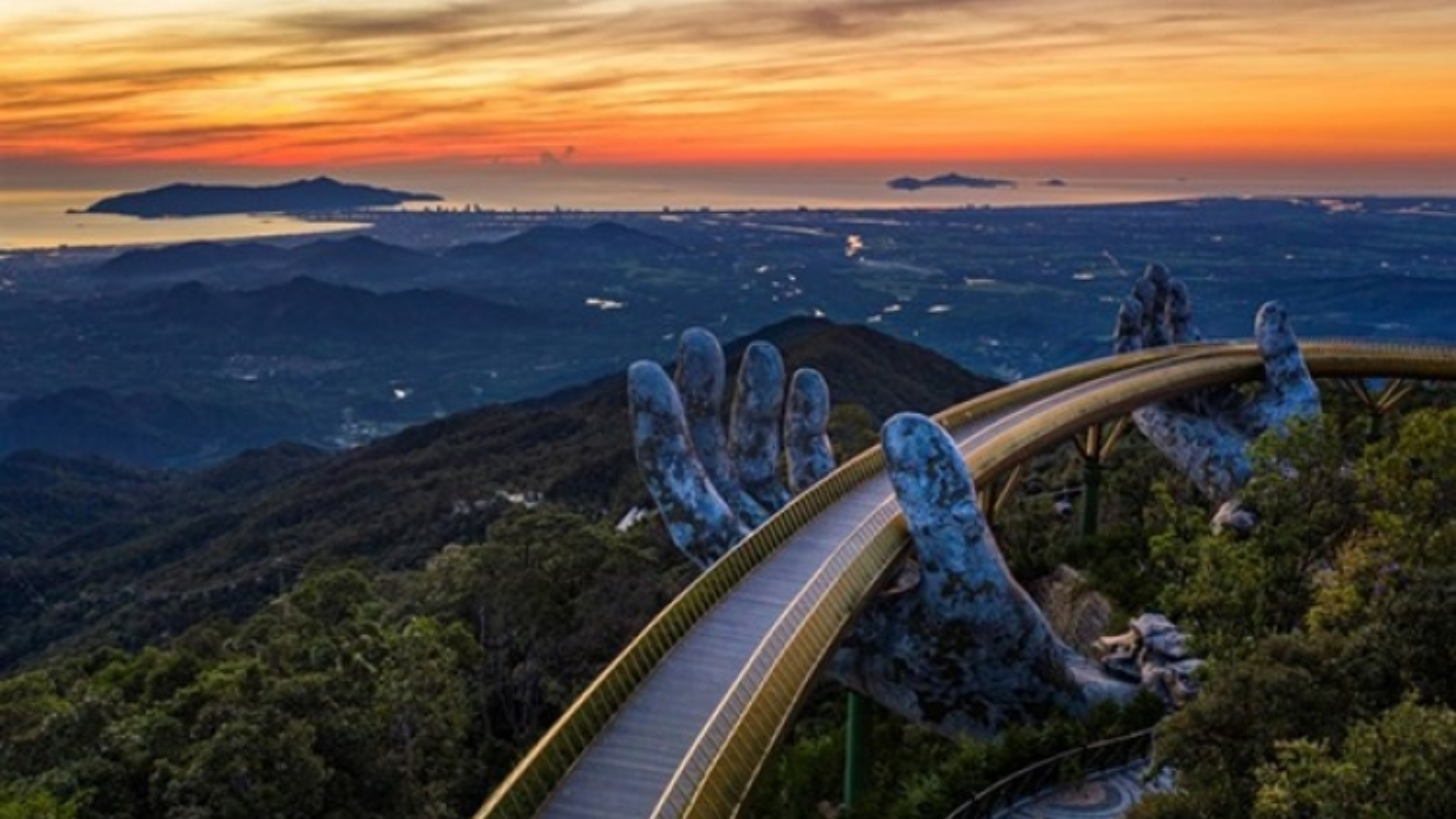 International awards boost Vietnam's tourism brand