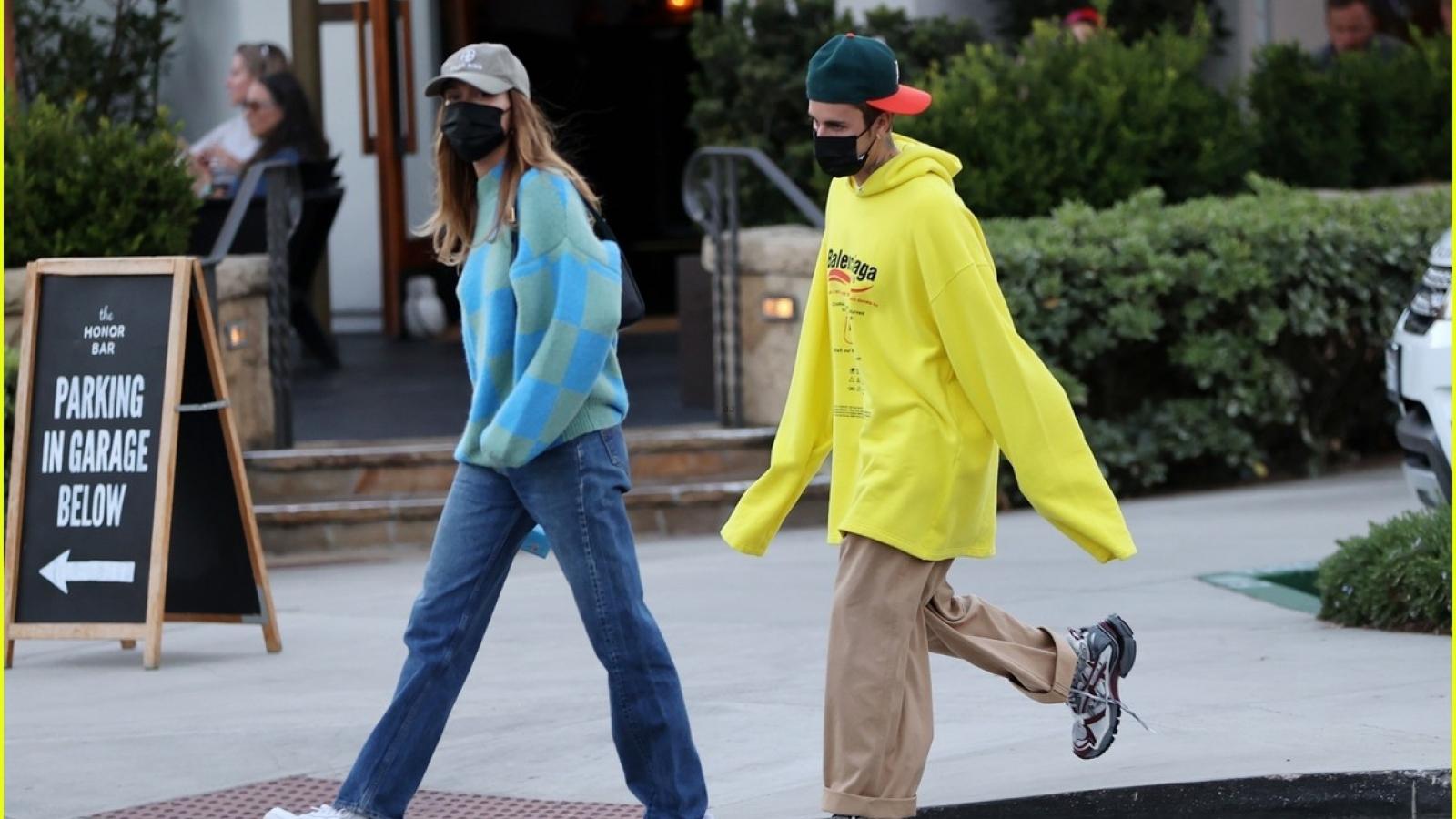 Vợ chồng Justin Bieber - Hailey Baldwin hẹn hò ăn tối lãng mạn