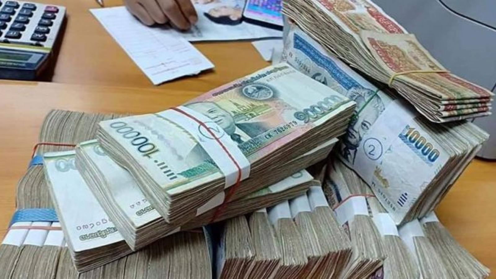 Lạm phát cao và đồng Kip suy yếu gây sức ép lên nền kinh tế Lào