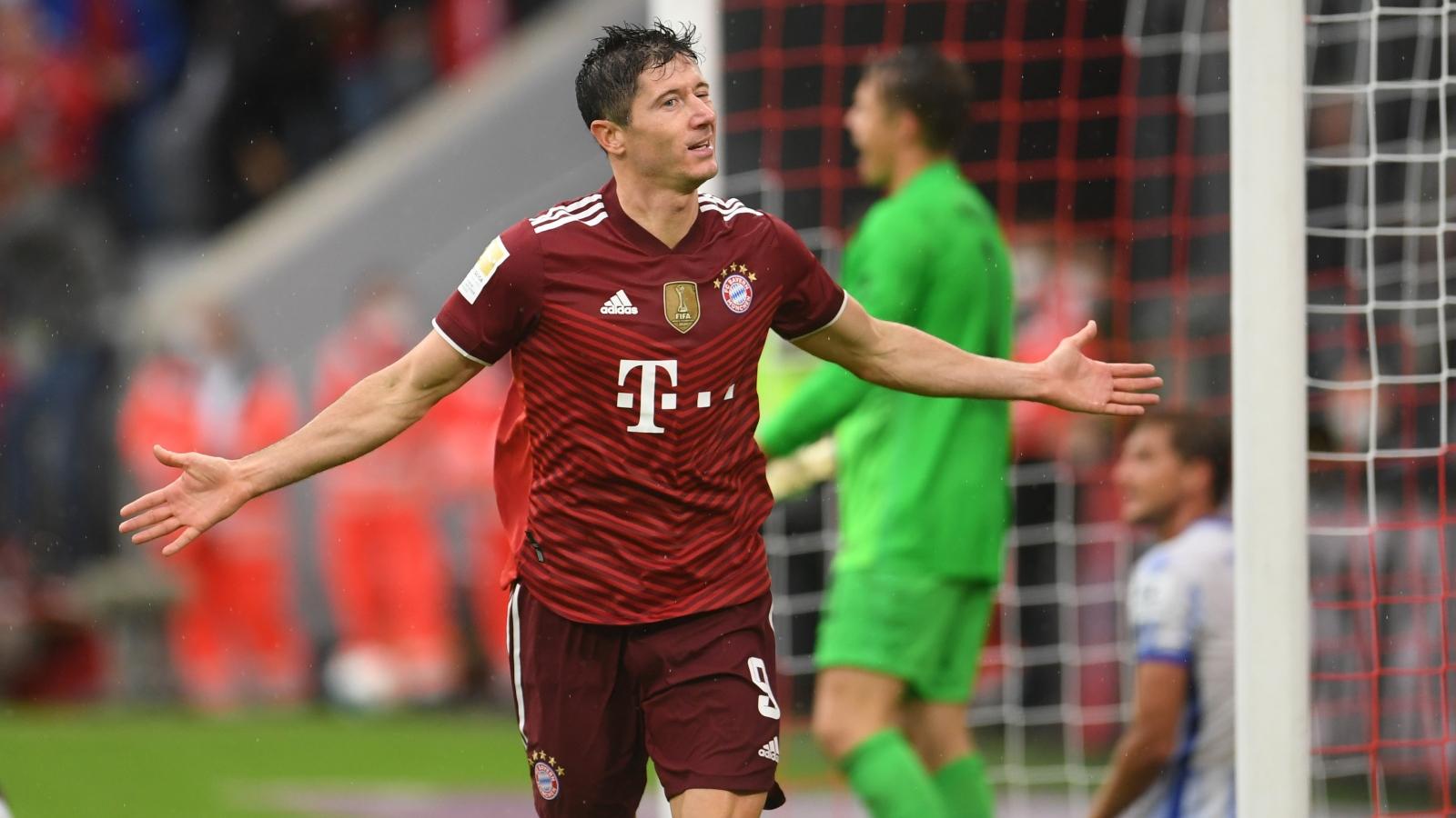 Lewandowski cán mốc 300 bàn, Bayern Munich đại thắng Hertha Berlin