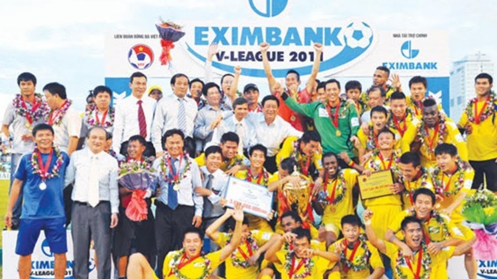 """Ngày này năm xưa: SLNA vô địch V-League sau trận """"chung kết"""" với Hà Nội T&T"""