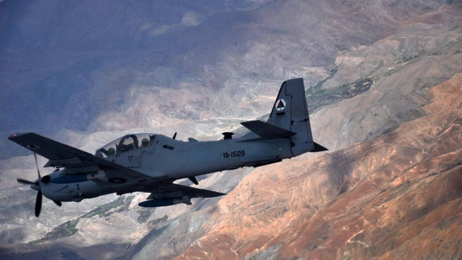 Máy bay quân sự Afghanistan bị phòng không Uzbekistan bắn hạ
