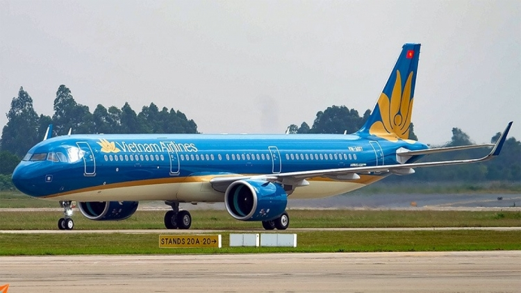 Vietnam Airlines transports citizens and medical equipment from US
