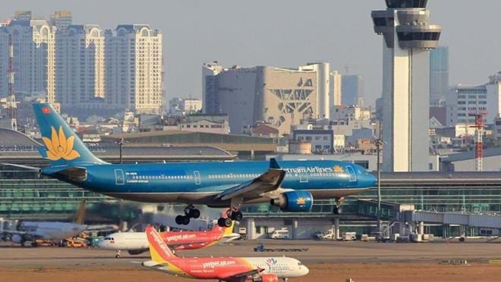 Giảm 50% phí dịch vụ máy bay cất, hạ cánh đến hết năm 2021