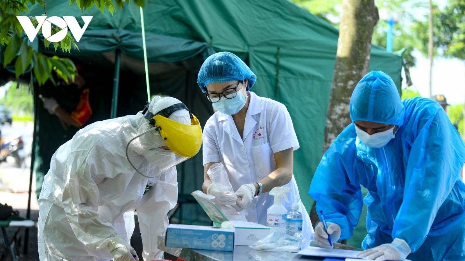 Thêm 7 công nhân, học sinh tại Hà Nam dương tính với COVID-19