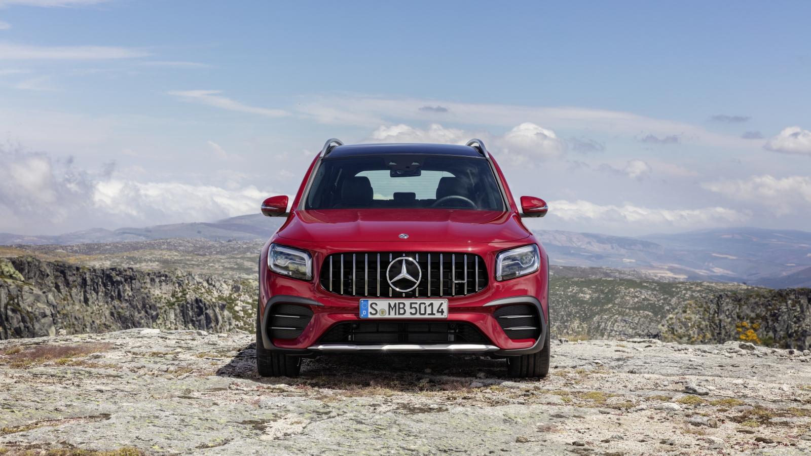 Ảnh chi tiết Mercedes-AMG GLB 35 4MATIC giá 2,69 tỷ đồng