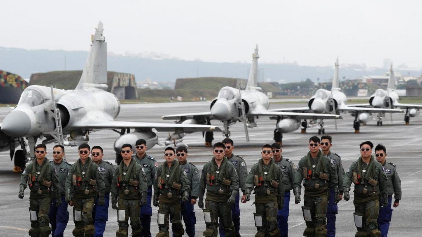 Trung Quốc tuyên bố sẽ trả đũa thương vụ bán vũ khí cho Đài Loan của Mỹ