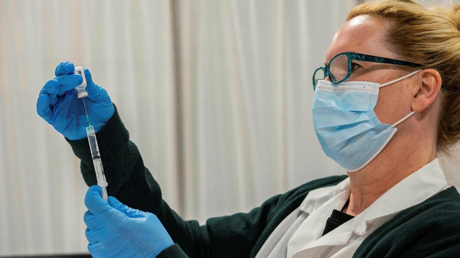 Mỹ sẽ tiêm mũi vaccine ngừa Covid-19 tăng cường cho toàn dân từ cuối tháng 9