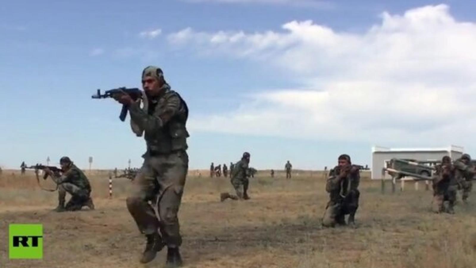 Quân đội Nga - Ấn Độ diễn tập tấn công, trấn áp khủng bố