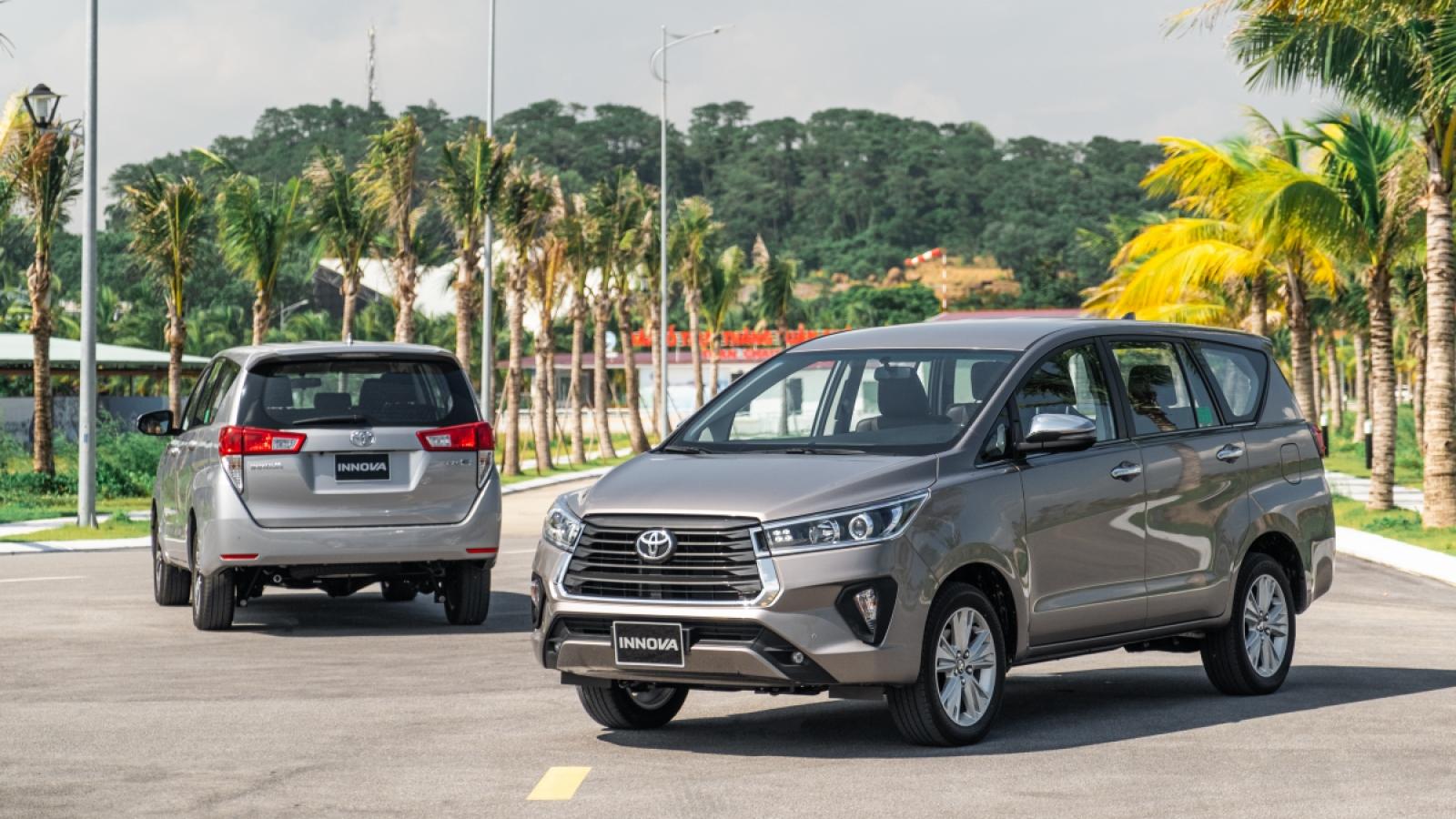 Toyota Innova lần đầu lọt Top 10 mẫu xe bán ế nhất tháng