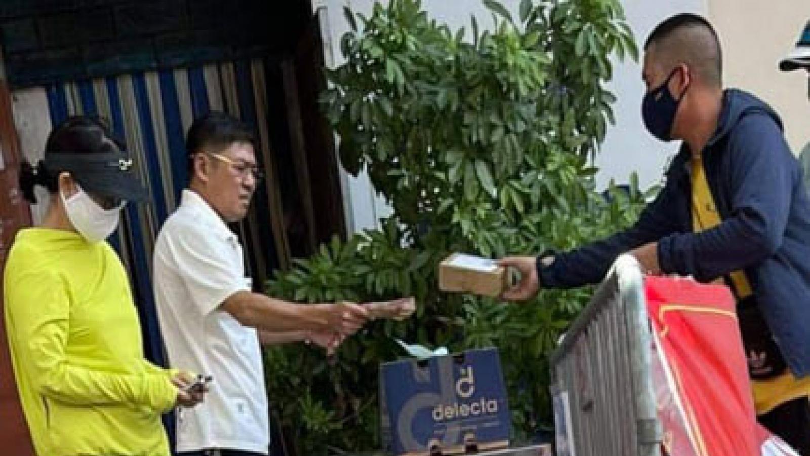 Bí thư Đảng uỷ phường ở Hà Nội bị phạt 2 triệu đồng vì không đeo khẩu trang