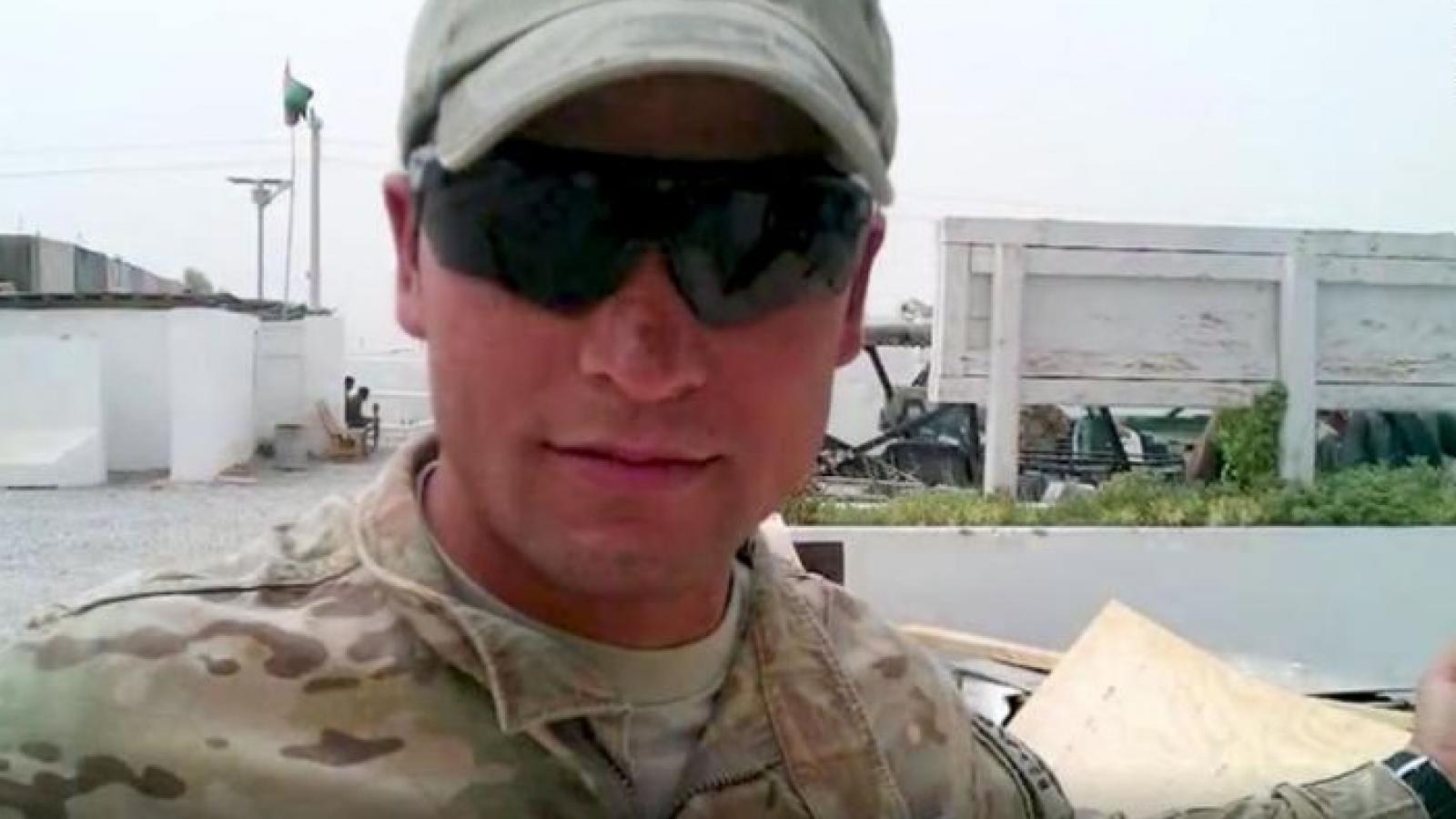 Các phiên dịch viên Afghanistan làm việc cho Mỹ lo sợ bị Taliban trả thù và chặt đầu