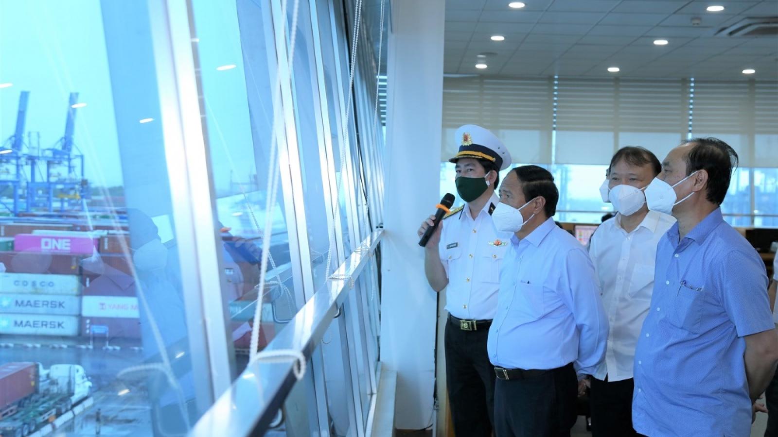 Phó Thủ tướng Lê Văn Thành: Không để xảy ra tắc nghẽn tại các cảng biển