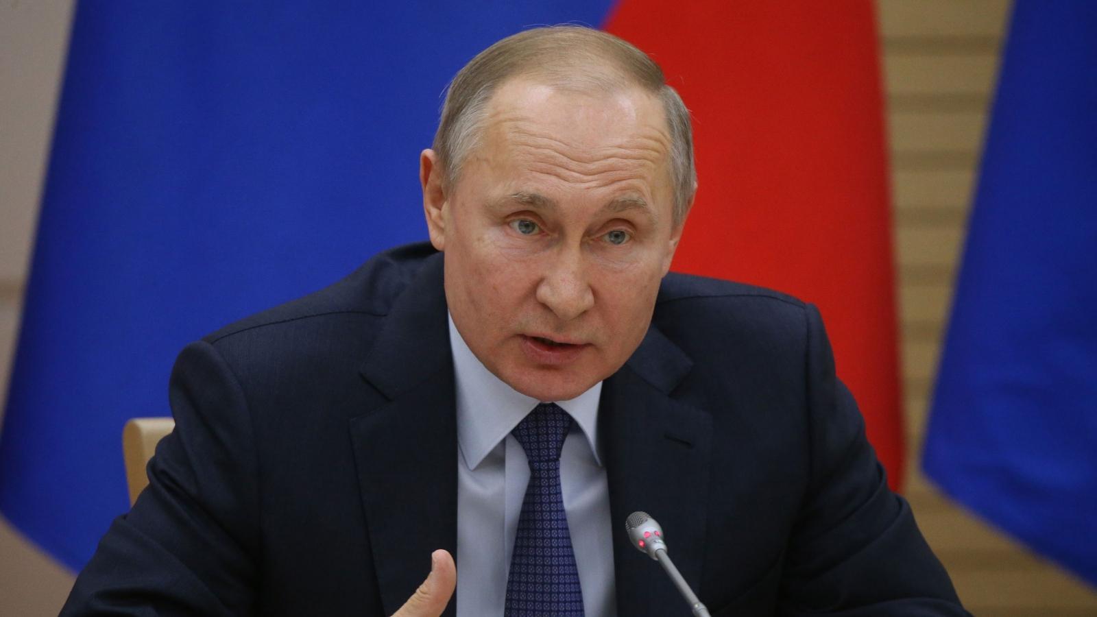 Tổng thống Putin cảnh báo khủng bố trà trộn vào dòng người tị nạn rời Afghanistan