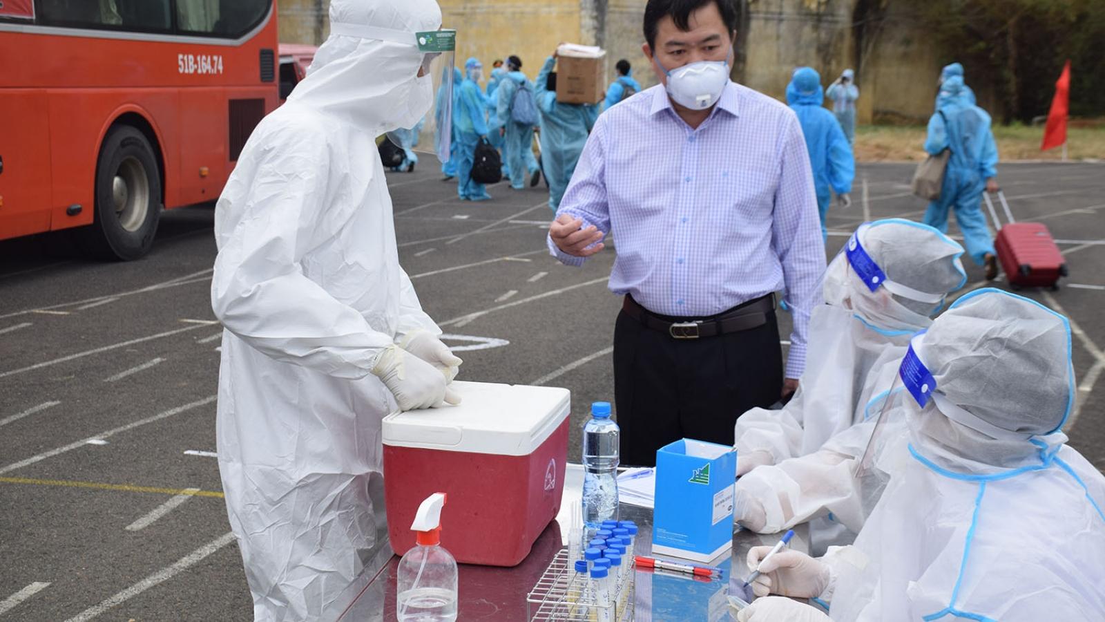 Phú Yên tiếp đón 544 công dân từ vùng dịch về quê