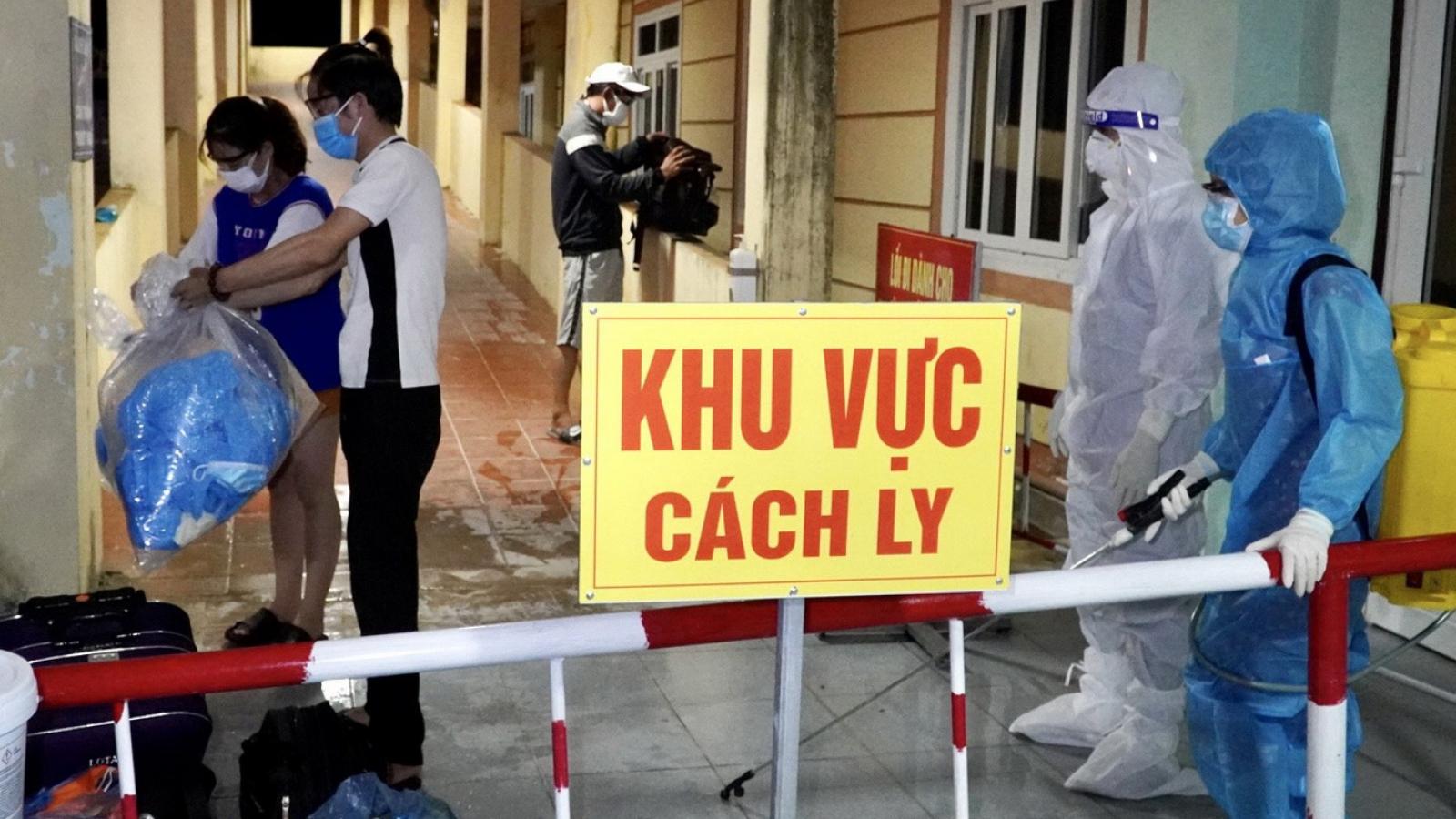 2 anh em đưa tro cốt bố mất do Covid-19 về quê mai táng, dương tính SARS-CoV-2