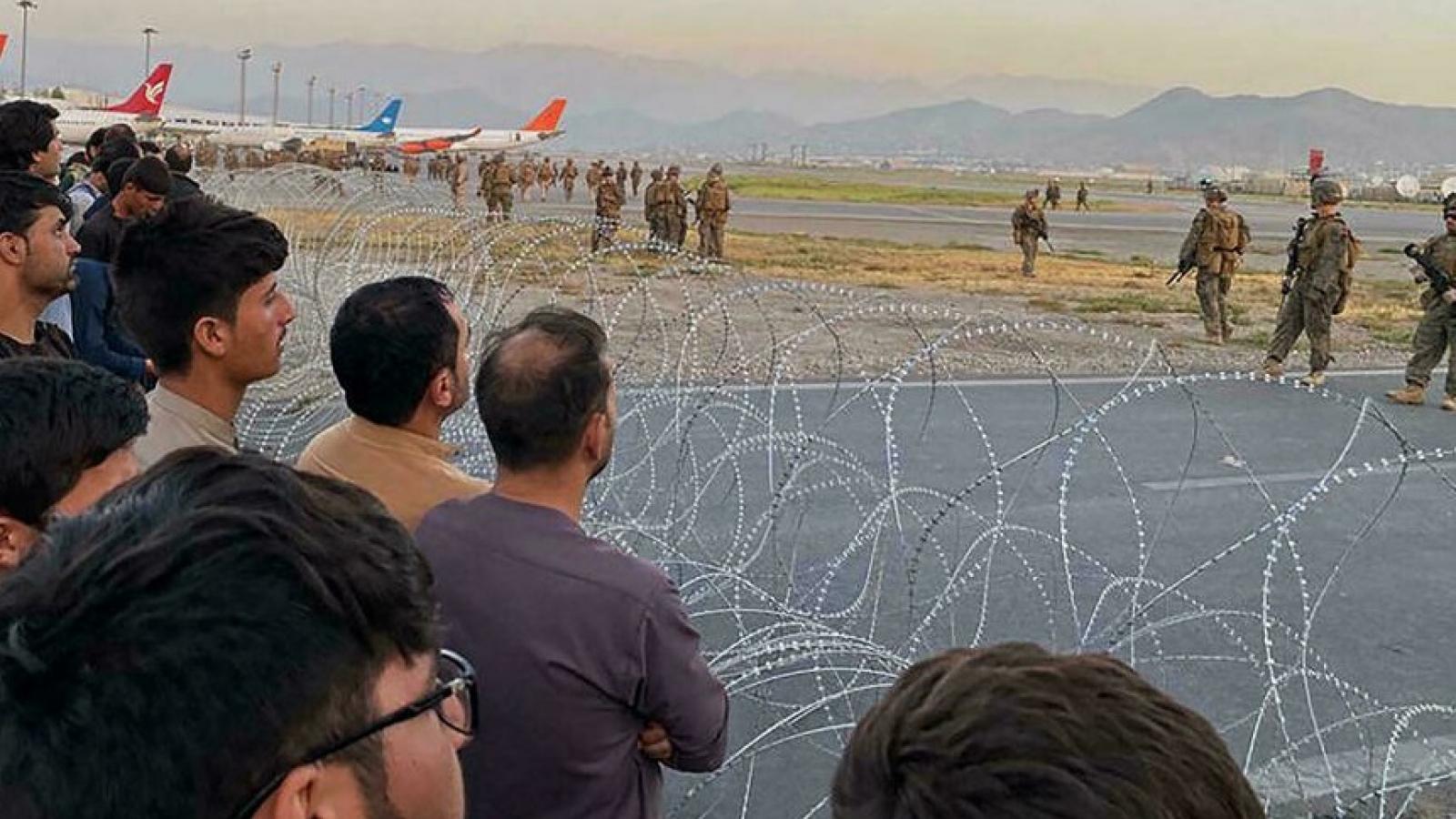 Sân bay Kabul (Afghanistan) vẫn đối mặt với nguy cơ khủng bố bằng bom hoặc rocket
