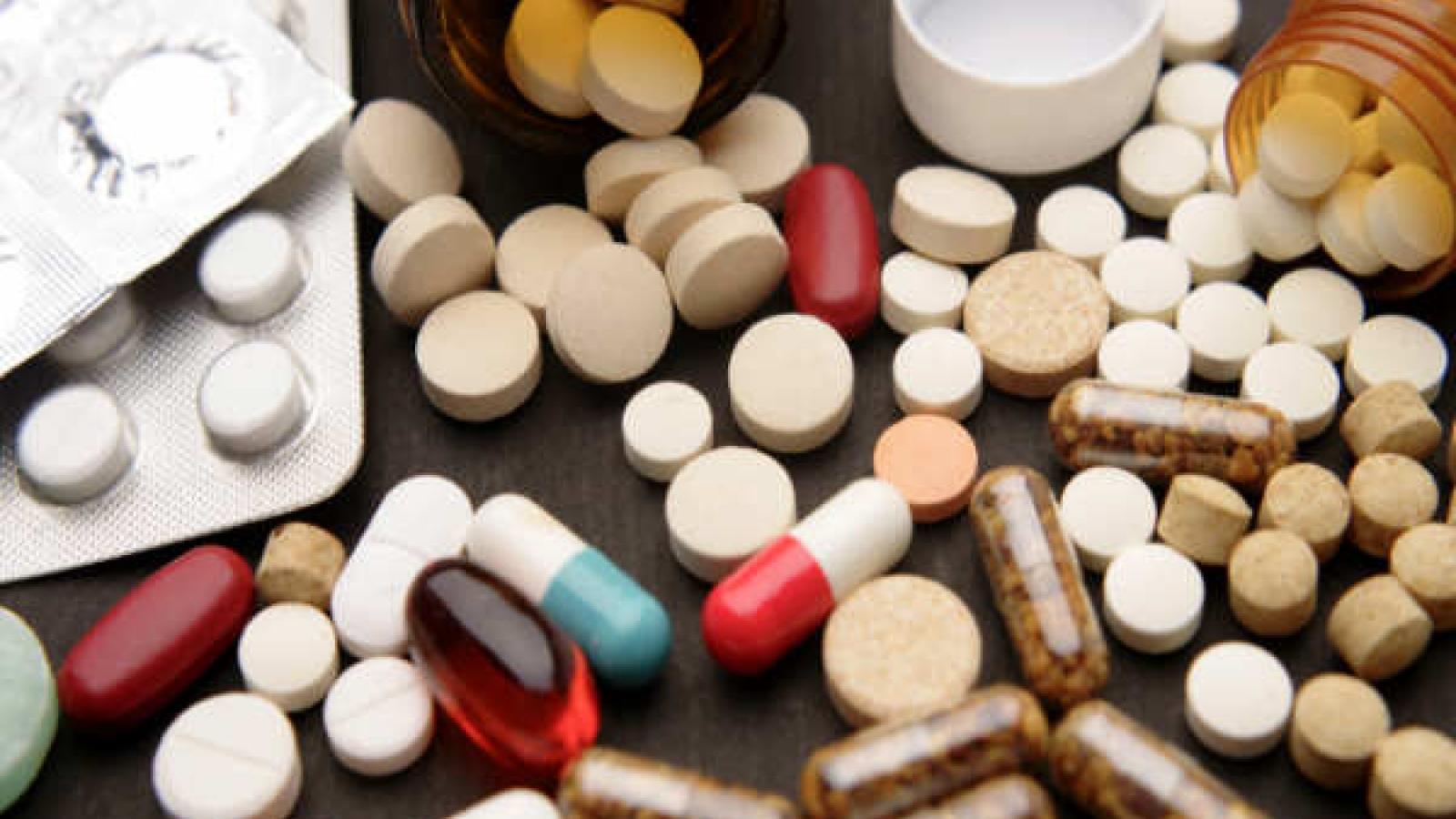 Những nguy hiểm khôn lường khi tự uống thuốc không kê đơn