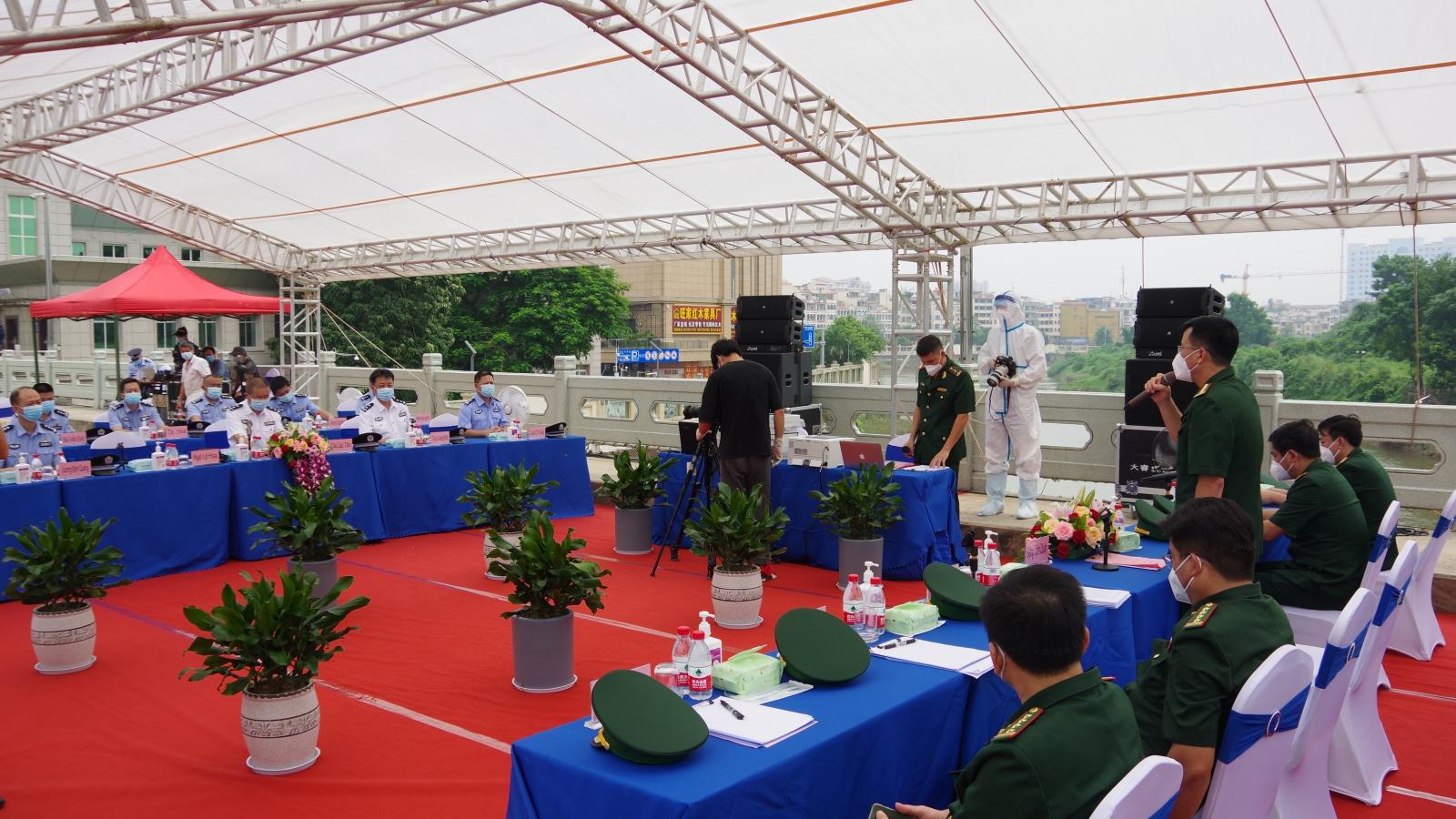 Hội đàm giữa BĐBP 4 tỉnh của Việt Nam với Tổng trạm Kiểm tra Biên phòng XNC Quảng Tây