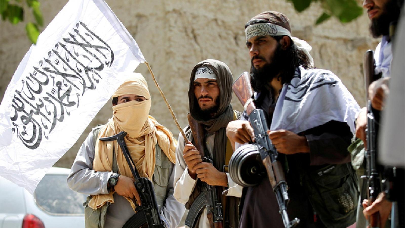 Chính phủ Afghanistan trang bị vũ khí cho dân quân địa phương để đối phó Taliban