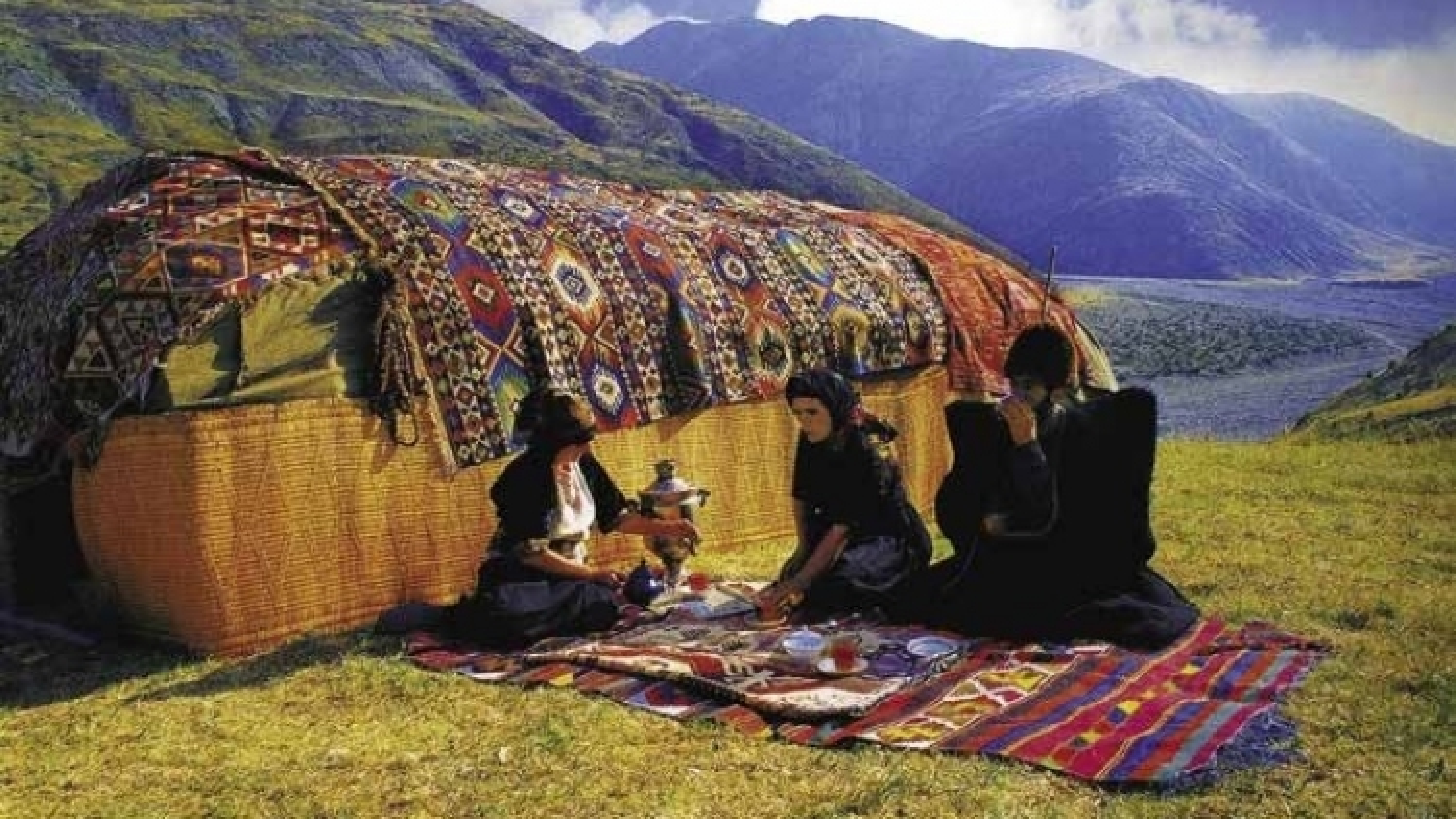 Sức lôi cuốn mê hoặc của thảm và nghệ thuật dệt thảm Azerbaijan