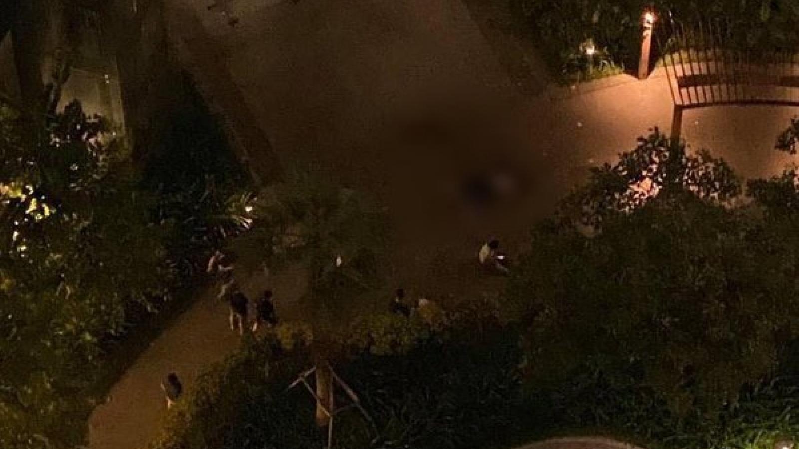 Cô gái rơi từ tầng cao chung cư xuống đất tử vong ở Hà Nội